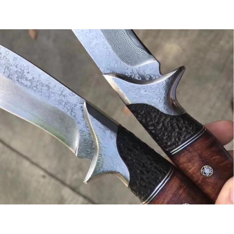 Колекционерски ловен нож ръчно направен от дамаска стомана и дръжка сандалово дърво